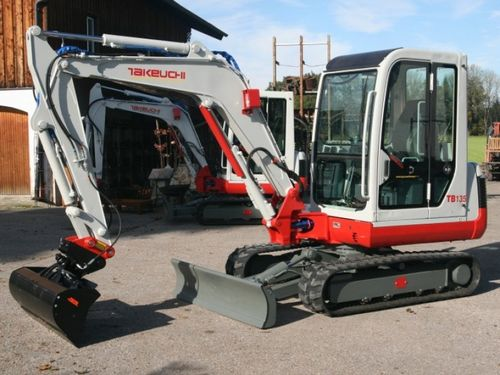 Takeuchi TB135 Operators Manual